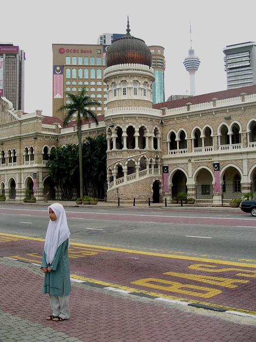 Desnudada por Miradas en Kuala Lumpur