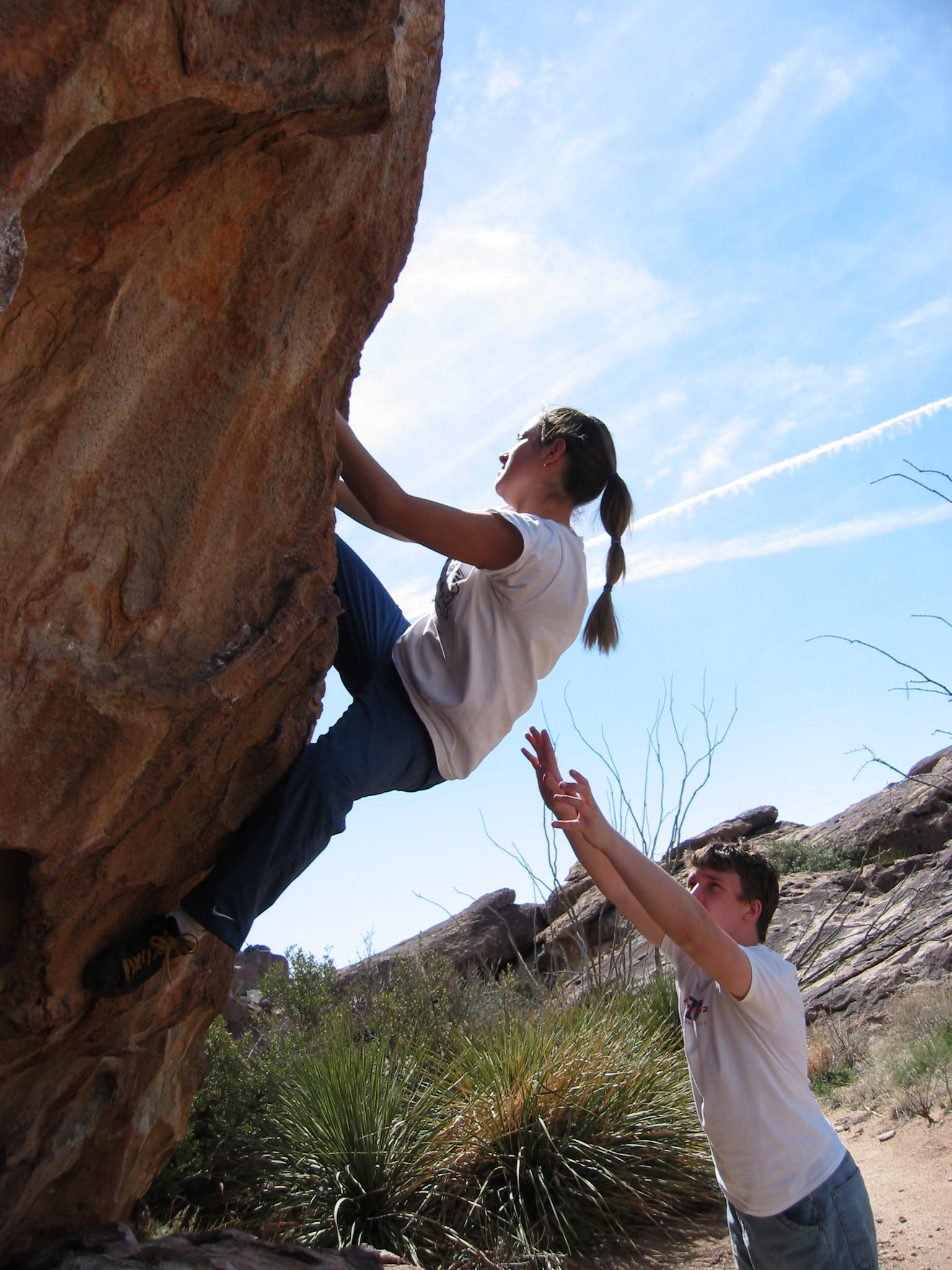 Rock climbing en Hueco Tanks, Texas, EEUU