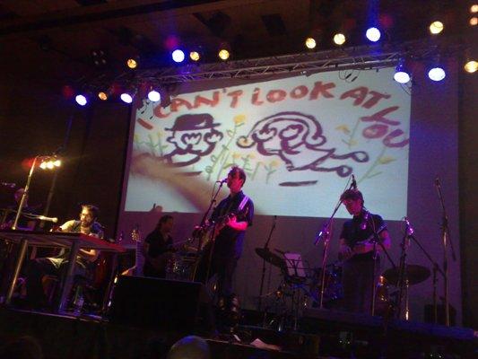 Kevin Johansen con The Nada y Liniers