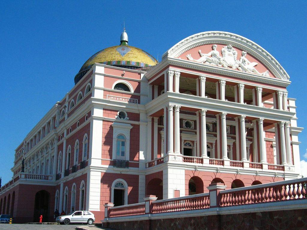 Exterior del Teatro Amazonas Manaus, Brasil
