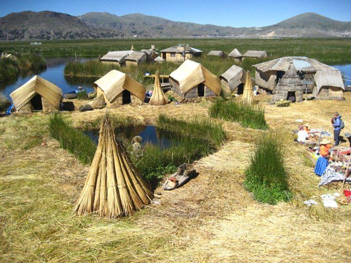 Isla de los Uros - Lago Titicaca - Perú 2