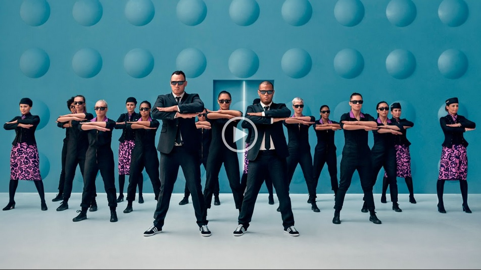 Air New Zealand ahora concientiza a sus pasajeros al ritmo de Men in Black
