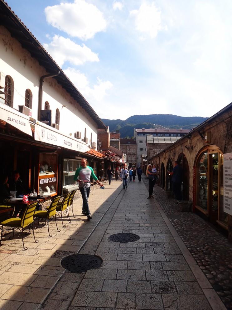 Una de las calles del casco histórico donde se venden artesanías