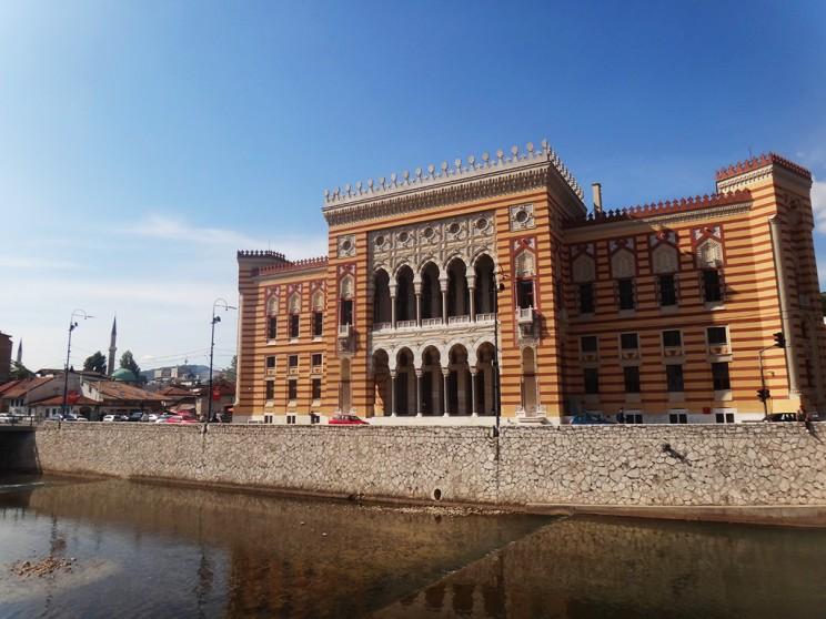 Vijećnica, el Ayuntamiento de Sarajevo, uno de sus edificios más emblemáticos