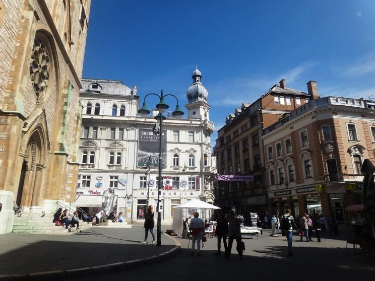 La arquitectura de esta ciudad es variada. Acá se puede ver un edificio austríaco