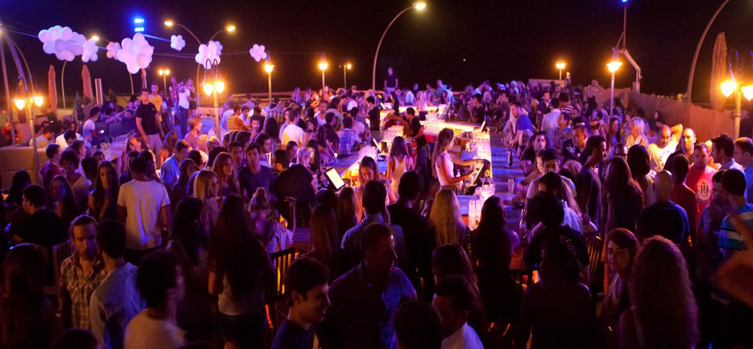 White Night, Tel Aviv se viste de blanco para una noche a puro ritmo y color