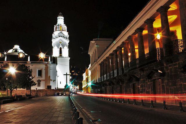 Quito ya se viste de navidad para esperar a los turistas